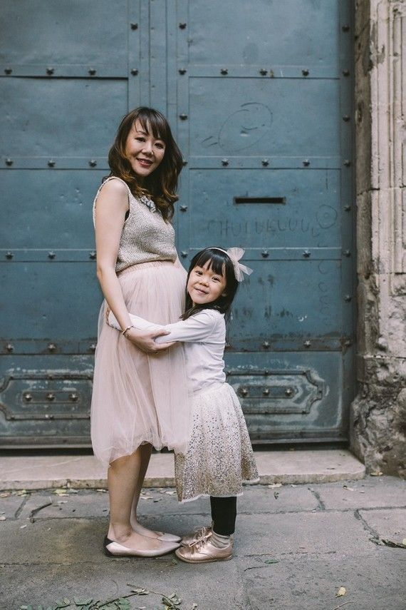 Surprise maternity photos in Barcelona