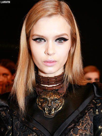 Fashion Based beauty editors share DYI Cat-Eyeliner Ideas To Try Fall Season
