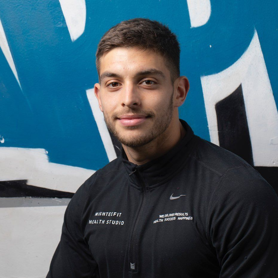 Meet MighteeFit Health Coach Alvaro @alvarocastanofit a former pro footballer turned professional health coach. Alvaro has a great mindset to help each individual client reach their fitness goal through exercise and nutrition. #healthcoach #personaltrainer #pt #coaching #london #fitness #football #semipro #footballer #gym #train #eastfinchley #pttraining #n2 #n3 #saturday #fitboy #fitnessmotivation #fitnessblogger