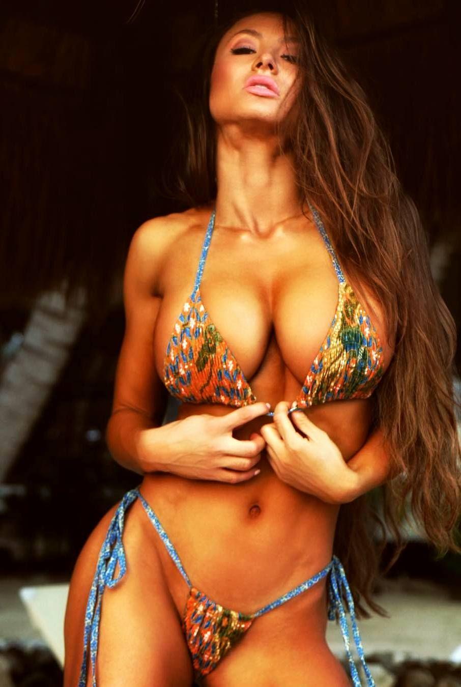 Pin Ot Polzovatelya Gennady Milyutin Na Doske Woman Bikini