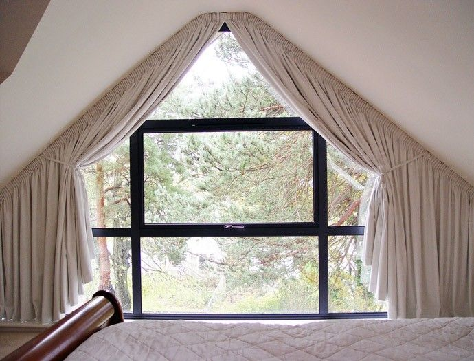 shaped 3 window ideas pinterest dachfenster gardinen und sofaecke. Black Bedroom Furniture Sets. Home Design Ideas