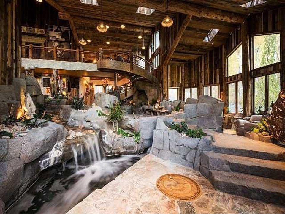 Utah manse redefines design flow with indoor river