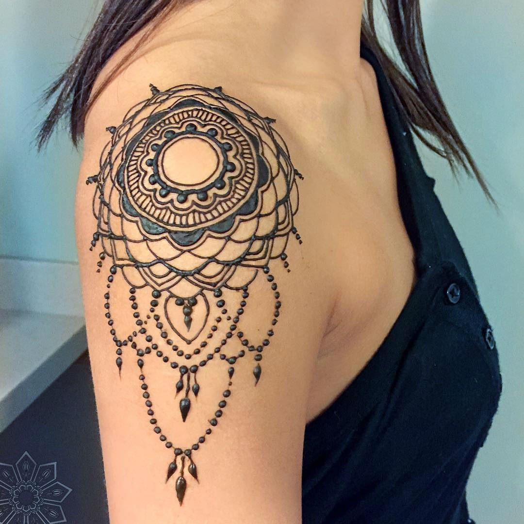 24 Henna Tattoos By Rachel Goldman You Must See Henna Tattoo Shoulder Henna Tattoo Designs Shoulder Tattoos For Women