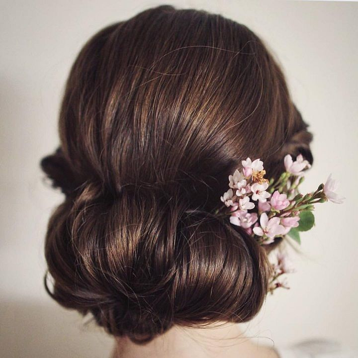 Chignon Wedding Hairstyle | fabmood.com #weddinghair #bridalhair #hairstyle #updo #chignon #chignonhair #upstyle #braidupdo #hairstyleideas #hairstyles #bridalhairstyle #weddinghairstyles