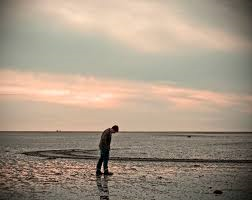 'In praise of Human heads and Giant carrots' Stan Skinny : The campaign against Loneliness