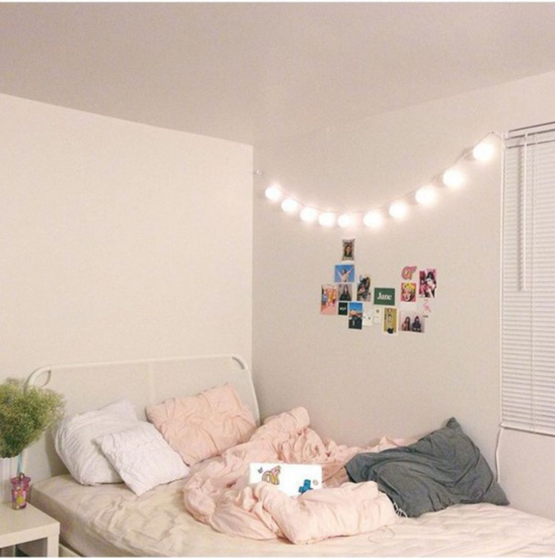 65 Beautiful Aesthetic Room Decorations For Your Convenience Freshouz Com Simple Bedroom Aesthetic Bedroom Aesthetic Room Decor