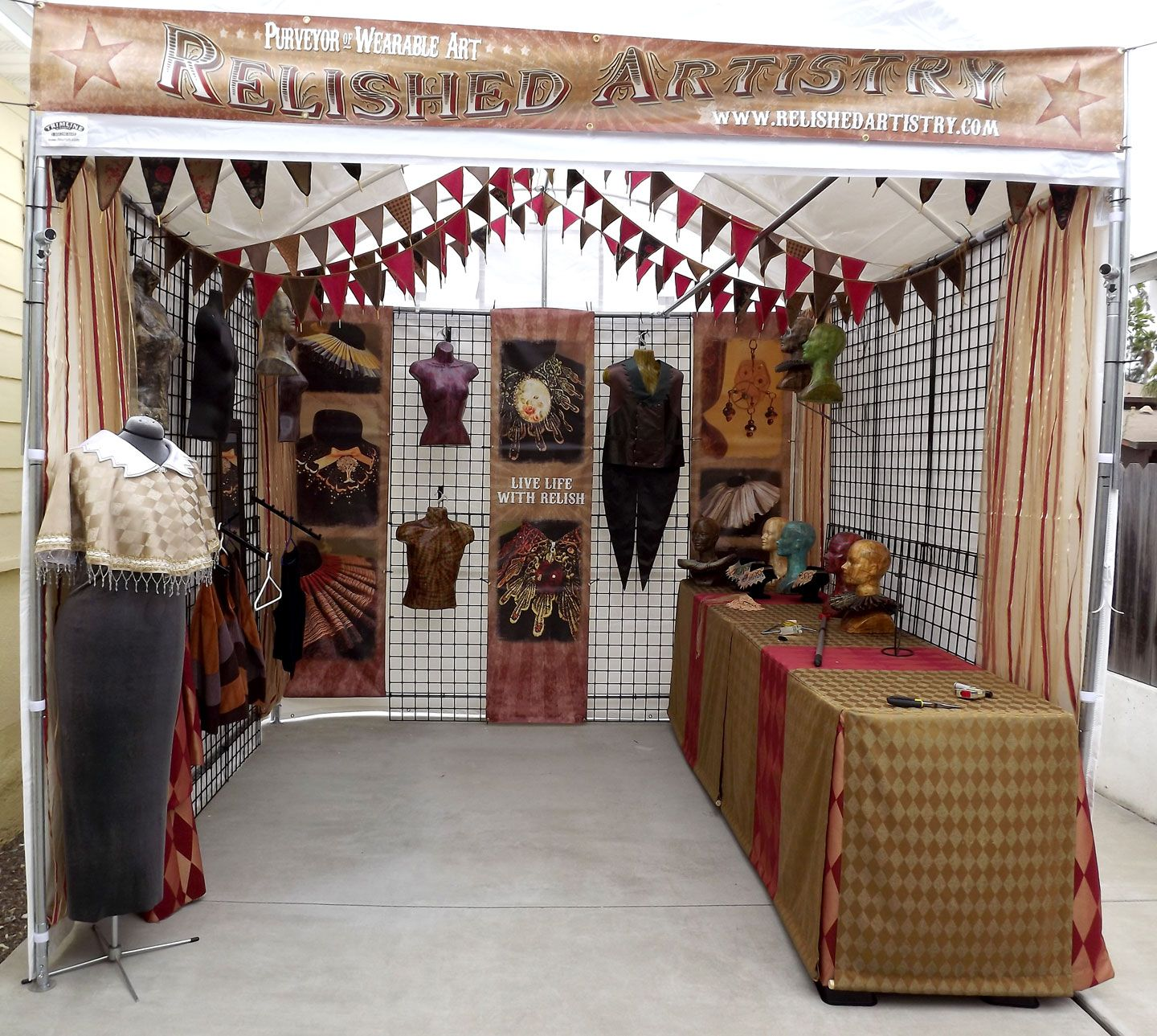 Craft show booth display ideas ve sort of adapted my for Display walls for art shows