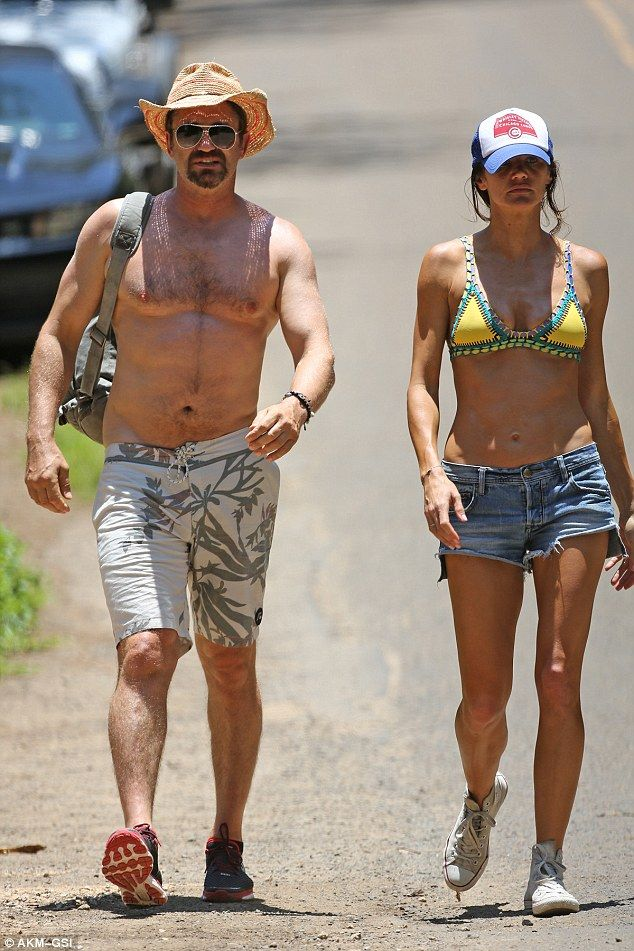 Gerard Butler Looks Seriously Smitten As He Cuddles Up To Girlfriend