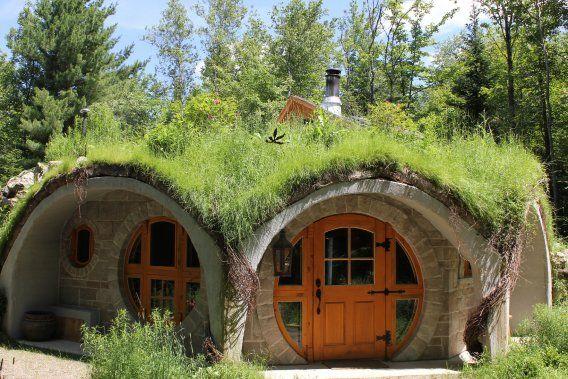 Fabuleux Une nuit dans une maison de hobbit | Jonathan Custeau | Virée  EW58