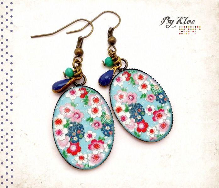 Boucles d'oreilles pendantes Cabochons • Fleurs japonaises • asiatique bleu rose blanc perles verre