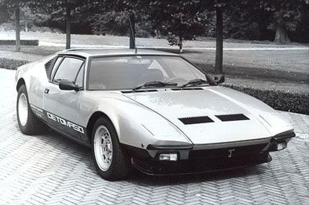 Designed by Tom Tjaarda at Ghia, the 1970 De Tomaso Pantera was a mid engine supercar, with a 5.8 litre Ford V8 engine.