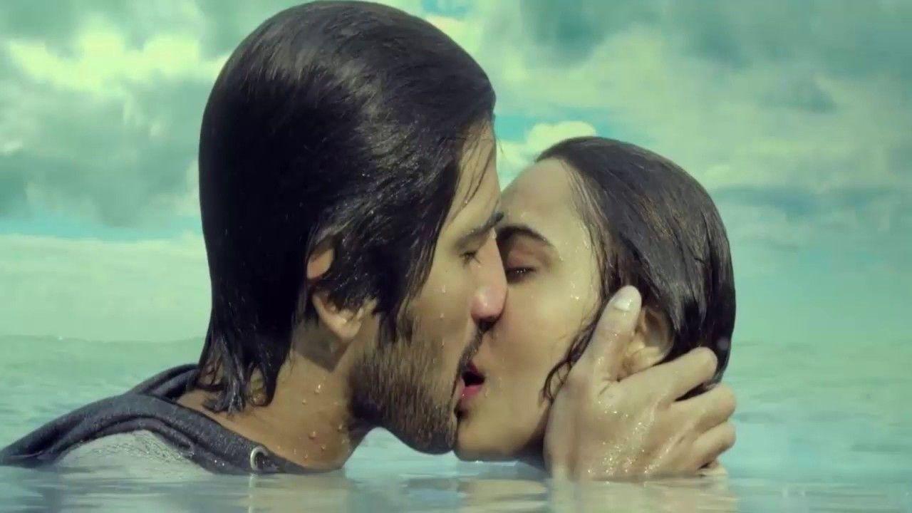 Baby bed youtube - Neha Shrama Hot Bed Kiss Scene Tum Bin 2 Leaked Bollywood Baby