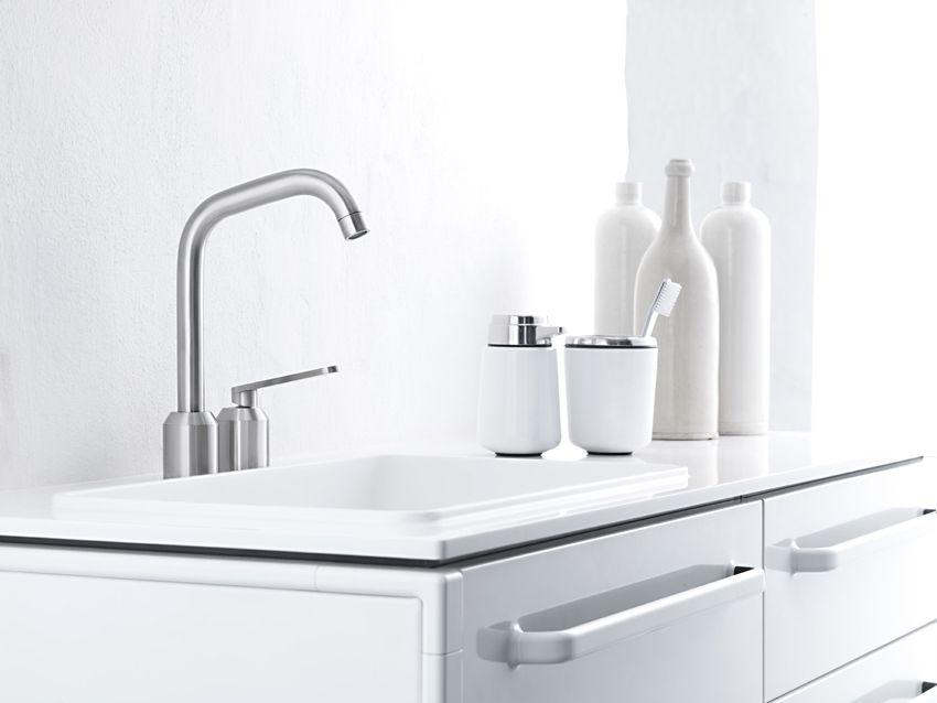 Strakke RVS kraan #bathroom | Vormstudie II - Lavabokranen | Pinterest