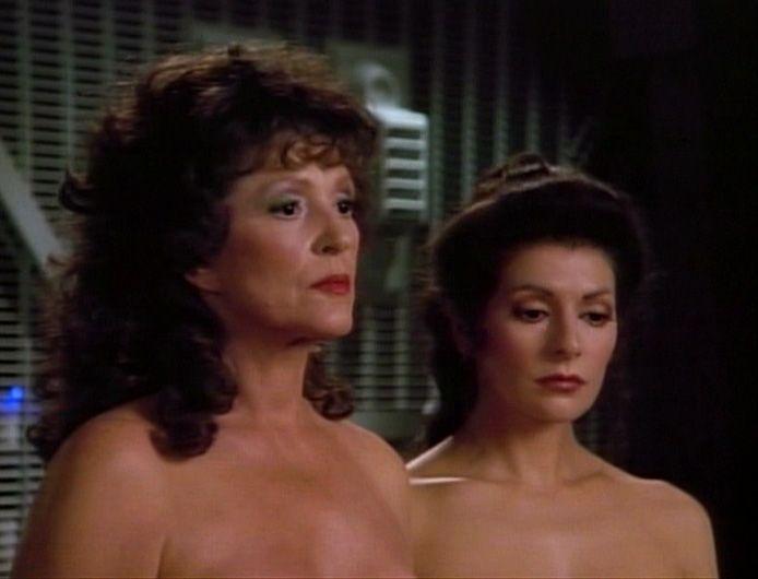 Lwaxana and Deanna Troi. #betazoid | Fondos de comic, Ciencia ...