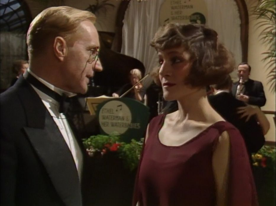 Harriet Vane and Lord Peter Whimsey. One length bob, finger wave. (Actress: Harriet Walter) | One length bobs, Dorothy l sayers, British actors