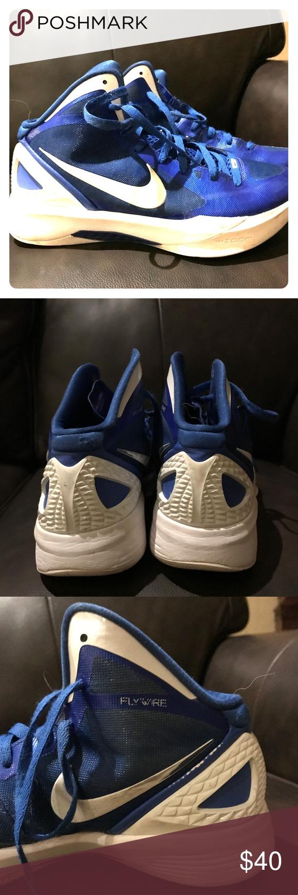 488237a31a3 Nike Hyperdunk women s basketball shoes size 10 Great condition Nike  women s basketball shoes size 10 Navy Nike Shoes Athletic Shoes