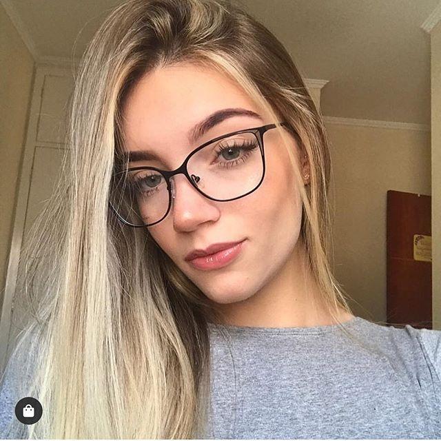 Pin De Maiararamosj Em Oculos Em 2020 Oculos Para Rosto Redondo