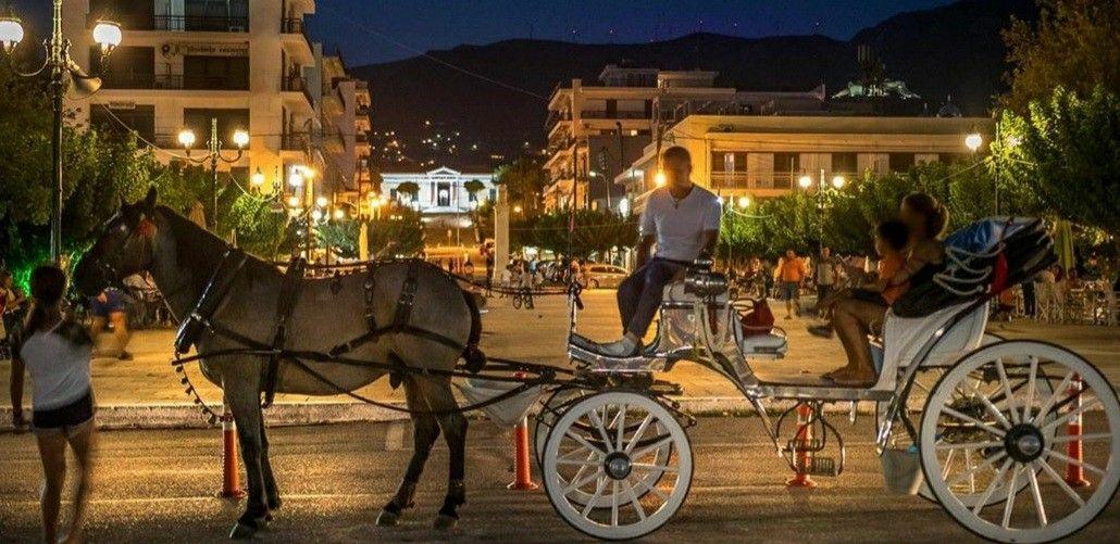 Night rides in Karystos city!🐎🌃 #greece,#amazingevia,#nightphotography, #destination,#theworldshotz, #travel_greece,#travelgirl, #ig_captures,#outdoorlifestyle