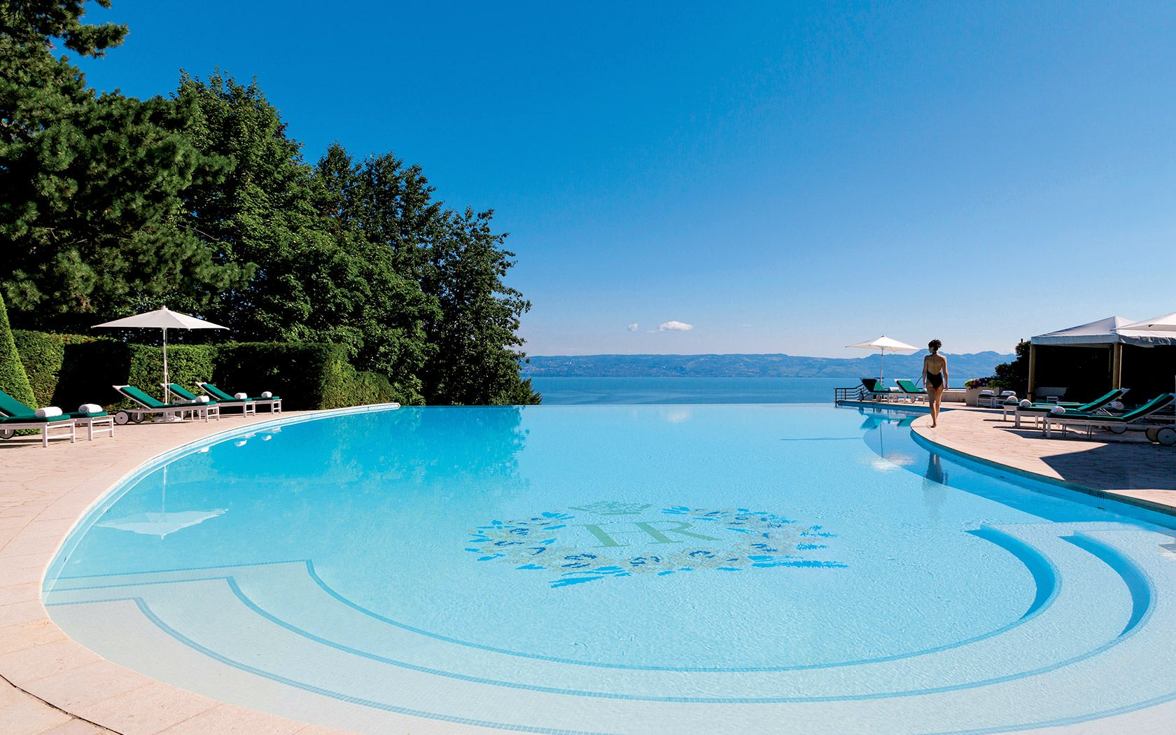 Photo Gallery 5 Star Hotel Evian Leman Hotel Swimming Pool Jacuzzi Hotel Royal Hotel