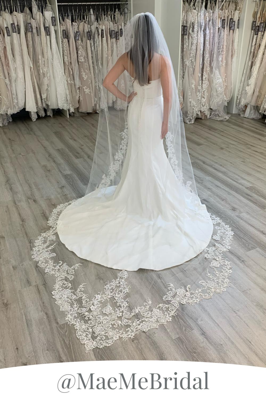 Ivory Lace Edge Sheer Tulle One Tier Cathedral Length Wedding Veil Maemegirl Beaded Wedding Gowns Long Veil Wedding Simple Elegant Wedding Dress [ 1500 x 1000 Pixel ]