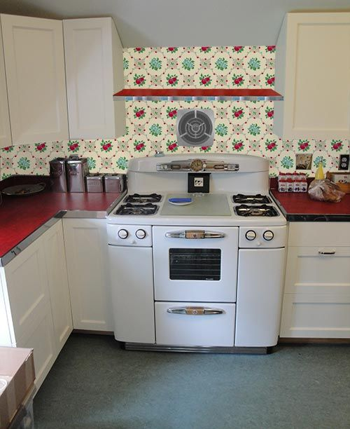 Wallpaper The Backsplash Deb Wants Our Help With Her Retro Design Dilemma With Images Vintage Kitchen Appliances Vintage Kitchen Retro Kitchen