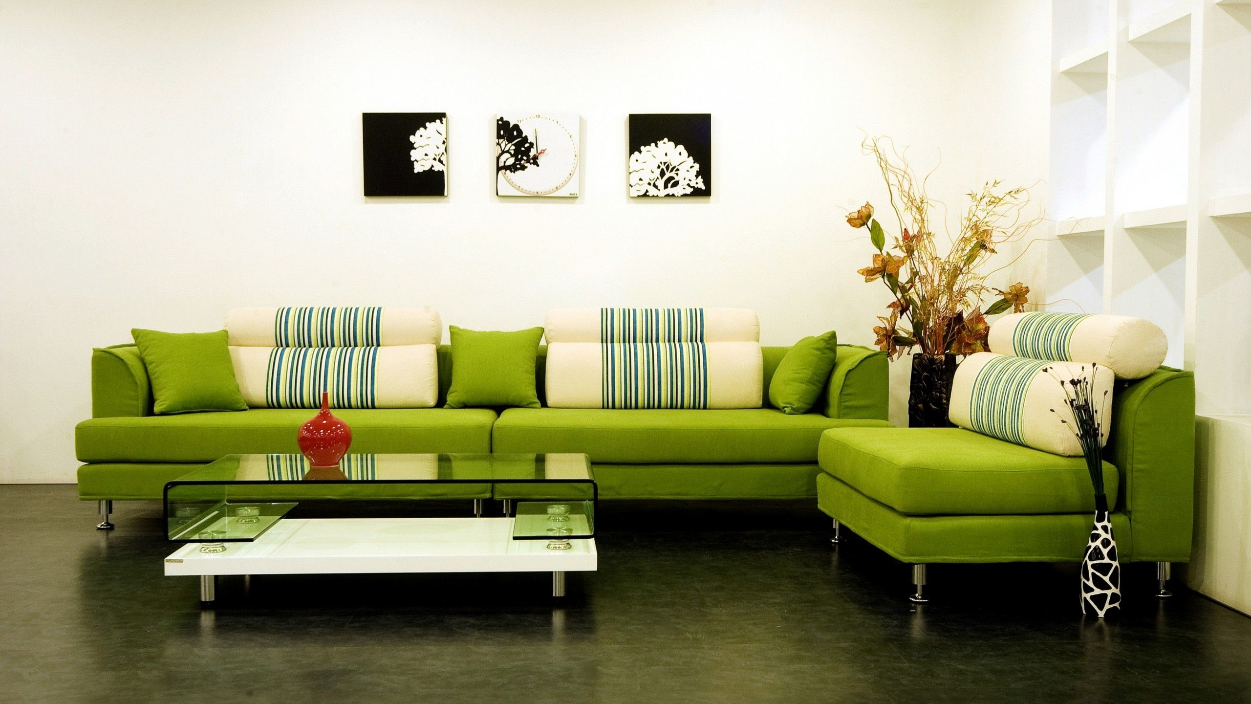 Modern living room furniture green - Modern Green Sofa Matches The Rug Perfectly Green Living Roomsliving Room