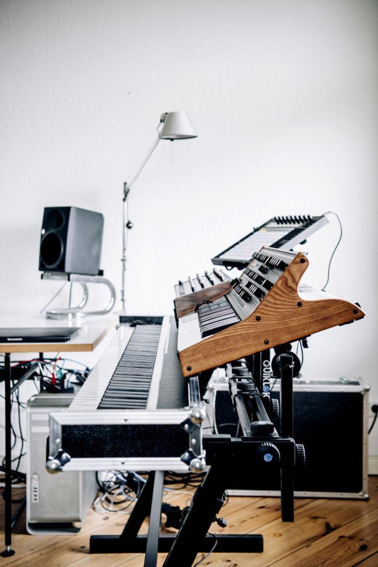 In the studio with Ben Lukas Boysen – Headphone Commute | Studio ...