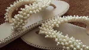 Resultado de imagem para chinelo decorado com pedraria