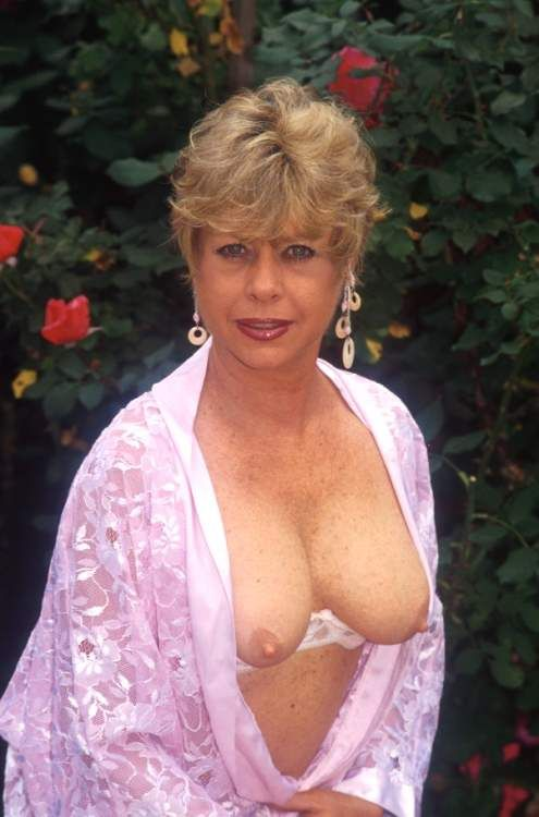 Sexy Mature Breasts Pictures 109