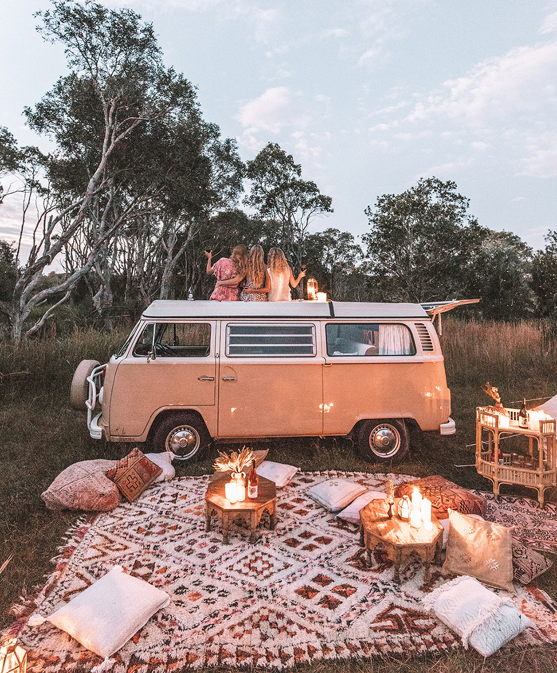 Dreamy picnic camp set up with @spell #campingpictures