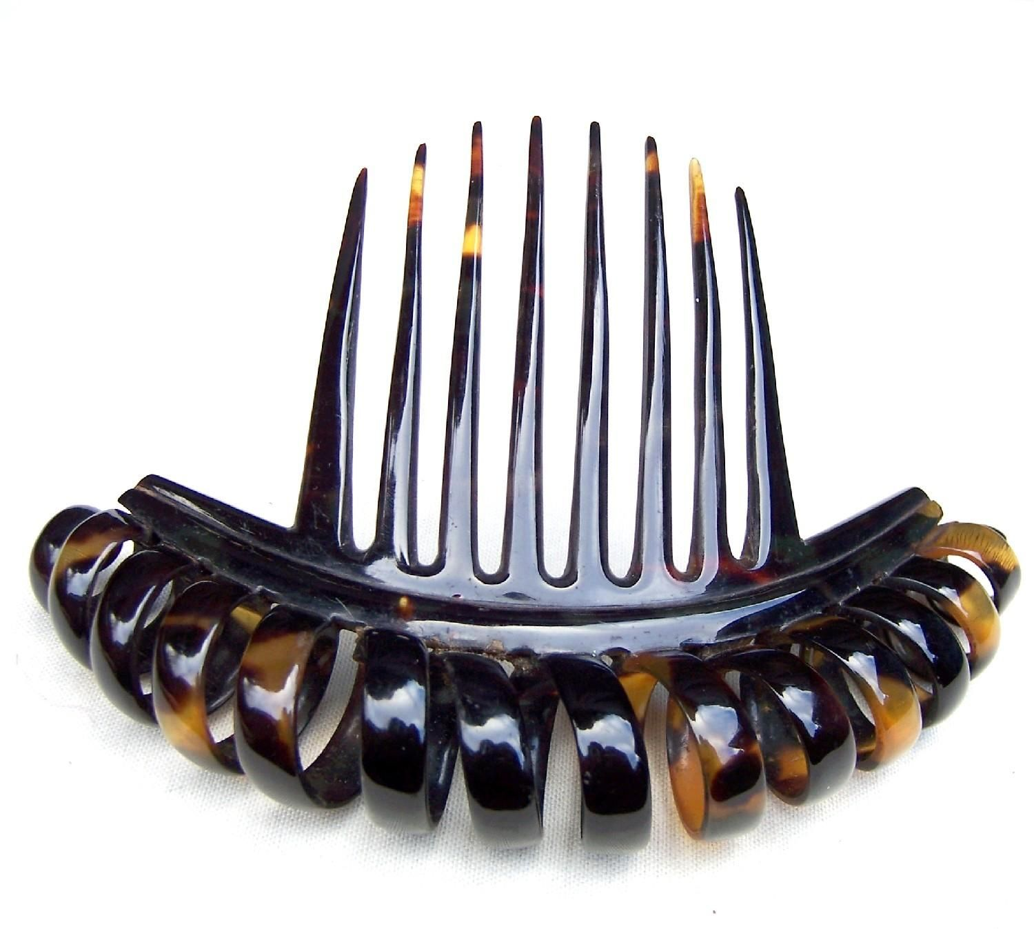 Vintage hair accessory holder - A Handsome Mid Victorian Faux Tortoiseshell Comb With The Iconic Corkscrew Design Condition Good Vintage