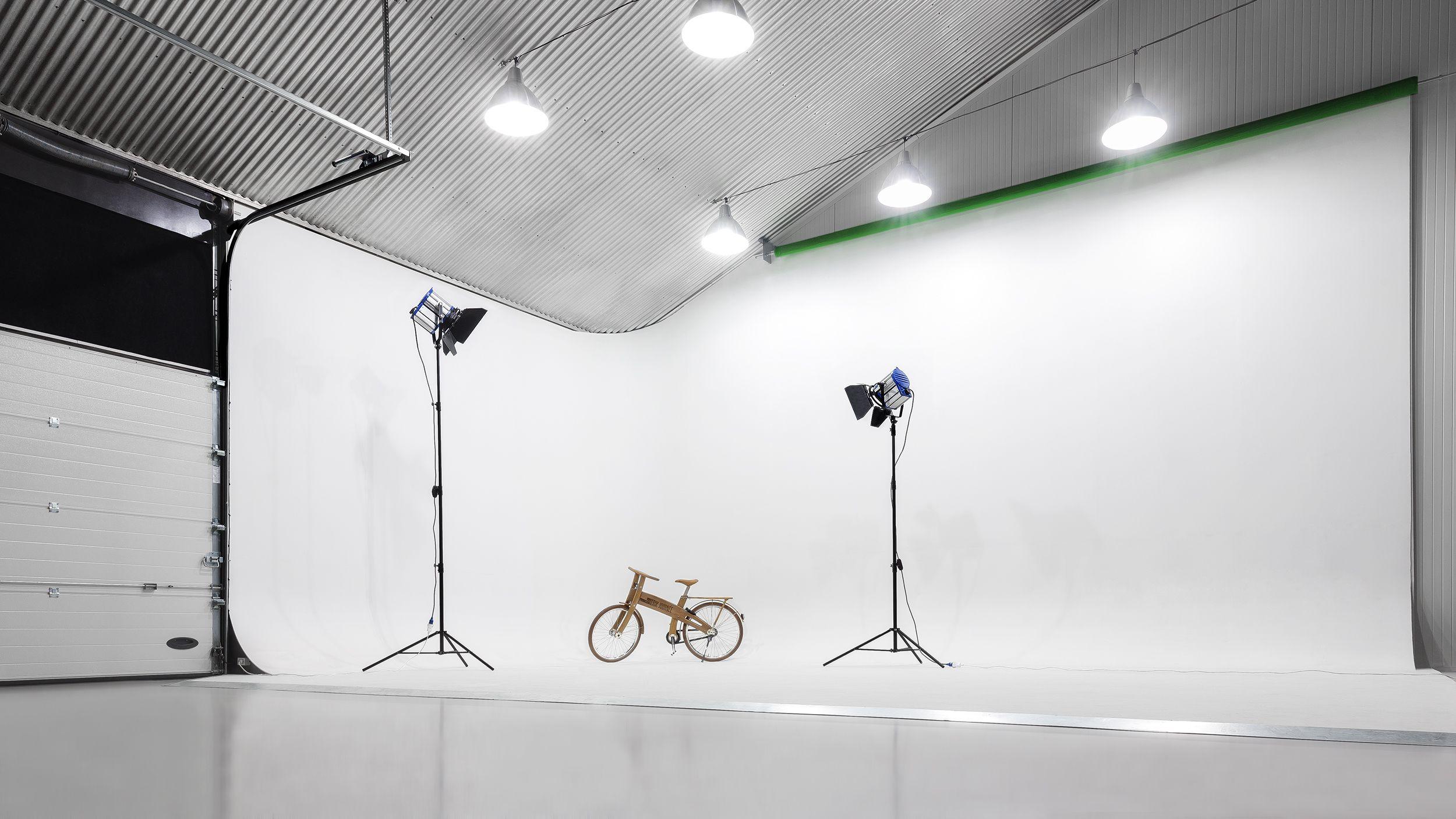 Cyclorama Infinity Wall Studio For Photography Film Www Newdaystudio Nl Studio Build Photography Studio Setup Studio