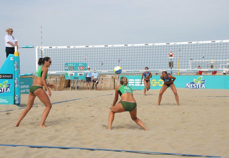 Women S Beach Volleyball Match At The European Championship Beach Volleyball In Aff Volleyba Beach Volleyball Outfits Volleyball Outfits Beach Volleyball