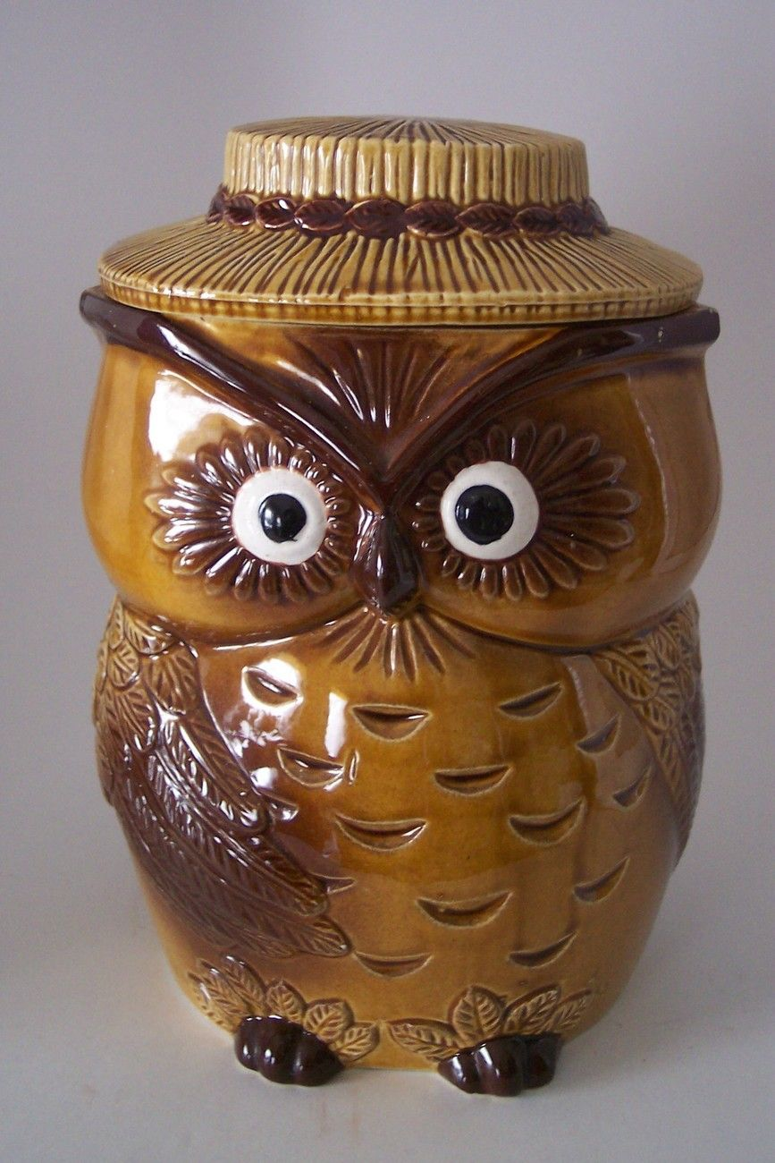 Sorry This Item Is No Longer Available But There Are Plenty More Vintage Items In The Booth Owl Cookie Jar Ceramic Cookie Jar Cookie Jars Vintage