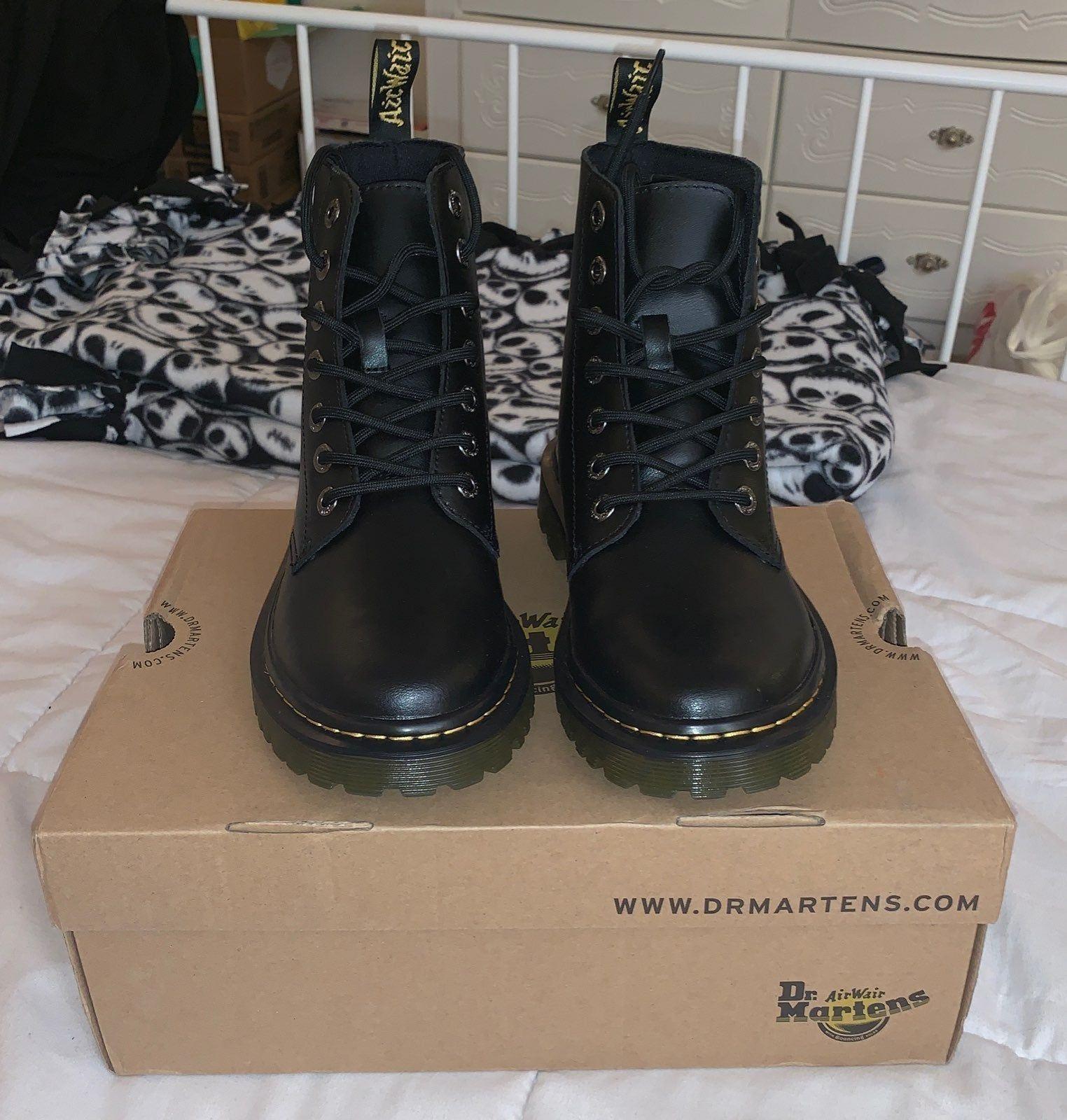 Boots, Doc martens
