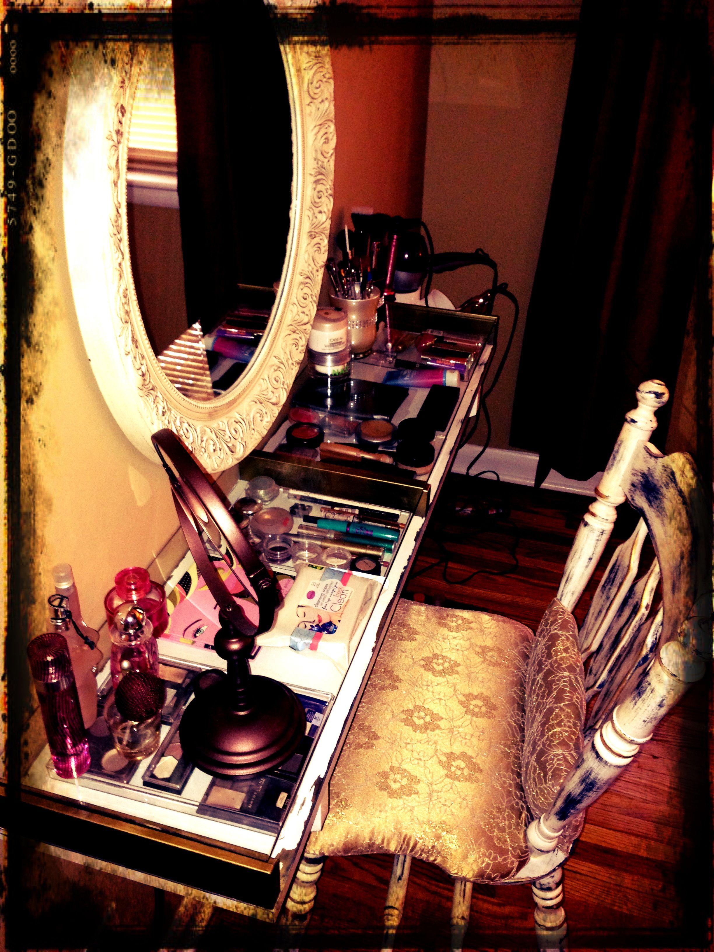 Vintage inspired DIY vanity Diy vanity, Makeup