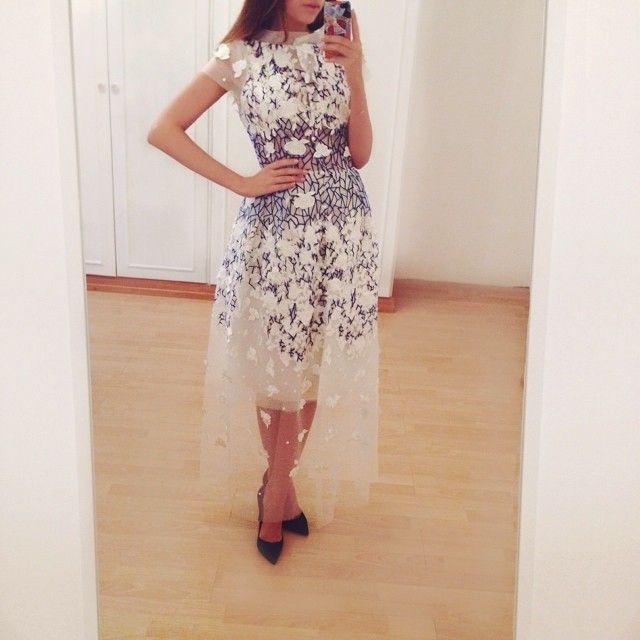 Razan alazzouni платья