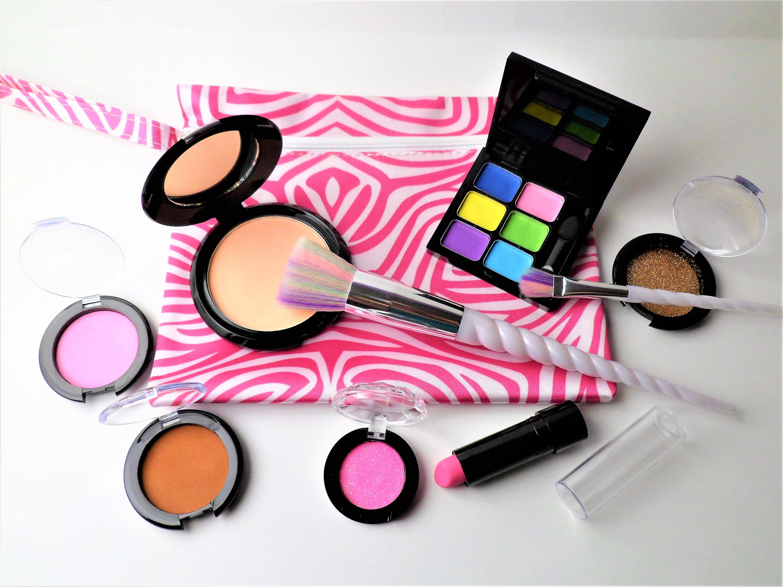 Kids' Pretend Play Deluxe 10piece Makeup Kit FAKE