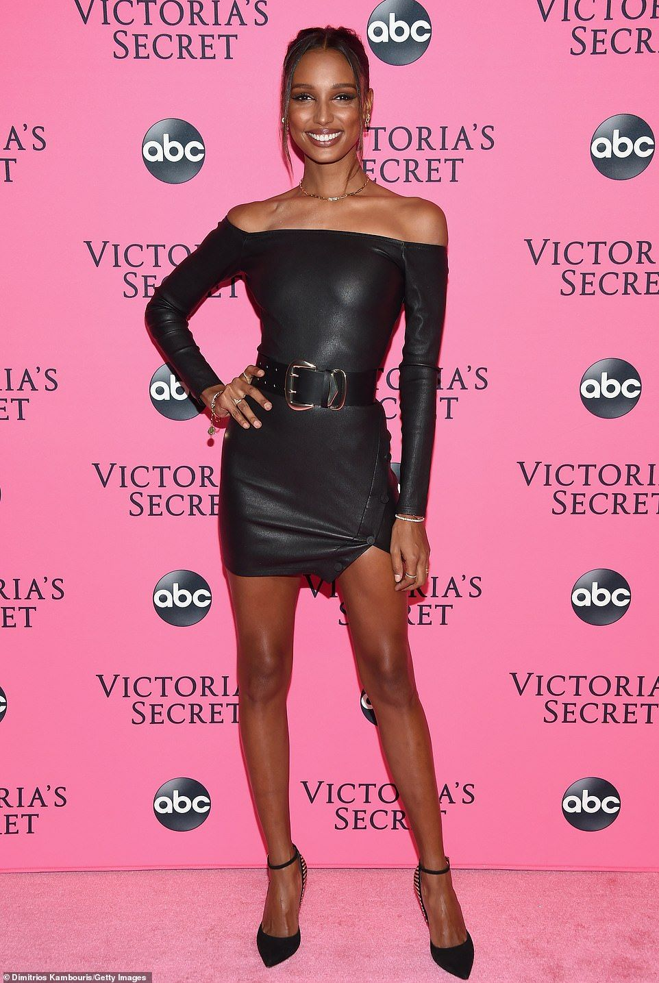 Winnie Harlow And Fellow Angels Dazzle In Black At Vs Viewing Party Jasmine Tookes Victoria Secret Fashion Show Victoria Secret [ 1435 x 962 Pixel ]