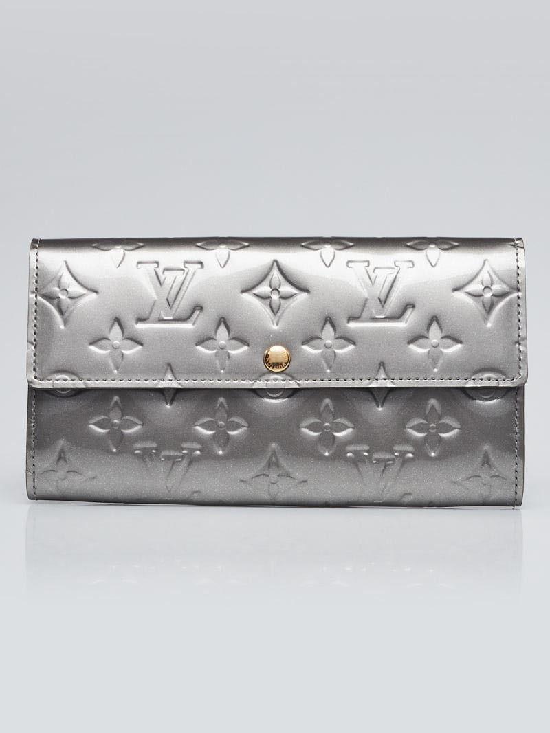 9a71f829b86d Louis Vuitton Gris Art Deco Monogram Vernis Sarah NM2 Wallet - Yoogi s  Closet