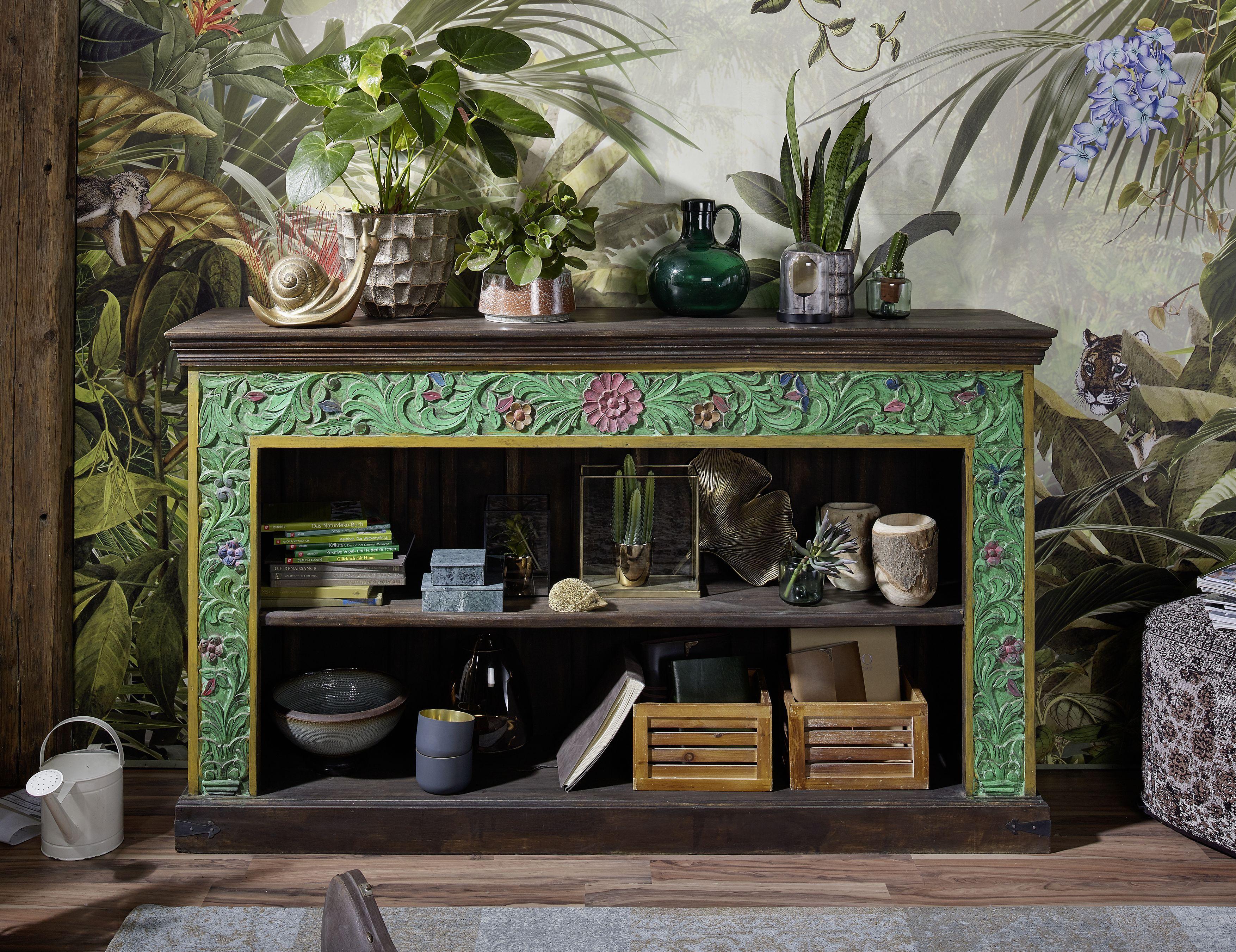 Sideboard in antikem Stil. Die faszinierenden Möbel der Serie
