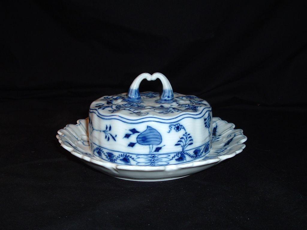 Meissen Blue Onion C. Teichert Stove & Porcelain Factory, C 1900 - Meissen Blue Onion C. Teichert Stove & Porcelain Factory, C 1900
