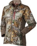 I love this coat because it's extremely quiet, provides just enough added warmth and has the perfect fit to not only look good but allow you tons of mobility in the field. -Melissa Bachman #hunting #gear