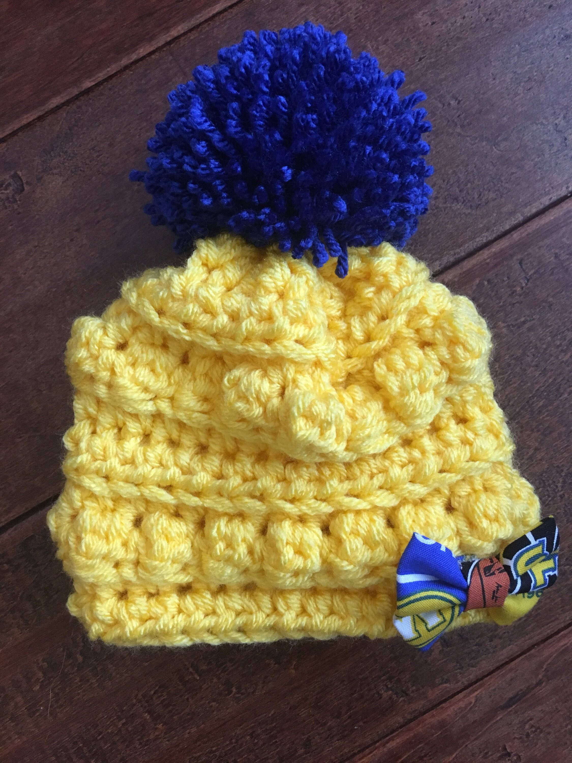 2b1716956d6f0c Golden state warriors Crocheted chunky baby beanie with pom pom. Winter baby  hat. Perfect gift for her. Crochet slouchy hat. Crocheted beanie.