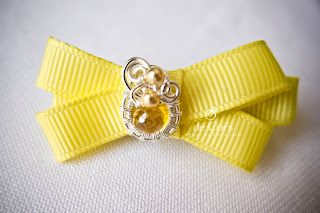 Photo of Golden Color Wire Jewelry Bow Hair Clip