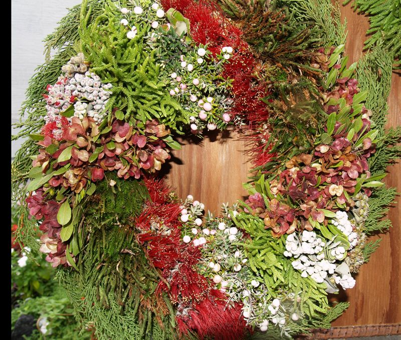 Hawaiian Christmas Wreath Mele Kalikimaka!! Pinterest Leis