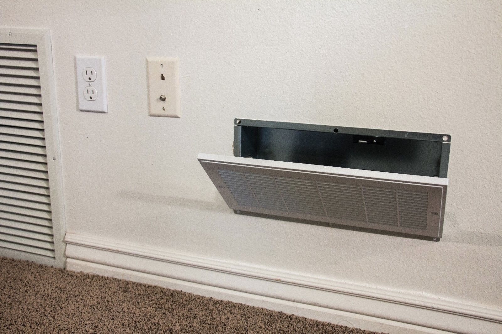 Quick Vent Safe RFID Locking System with Key Card Hidden