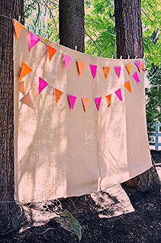 Photo of 10 Party-Planning Hacks That'll Make Yours the Best Bash Ever