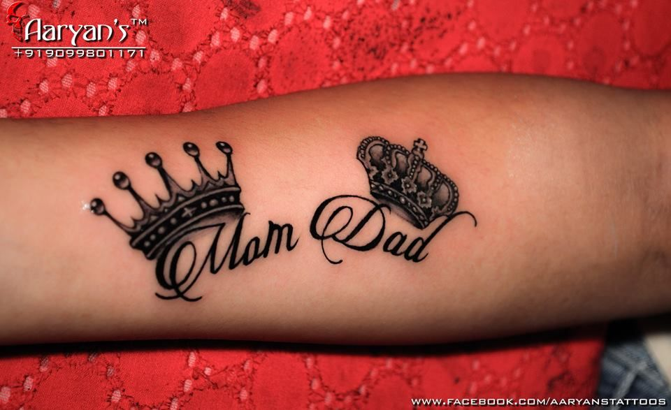 Great Concept Dedicated To Mom Dad Crown S Great Font Style Awesome Fini Mom Dad Tattoos Trendy Tattoos Mom Tattoos