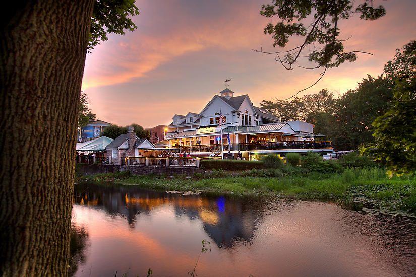 12 Restaurants In Connecticut To Add Your Bucketlist This Summer